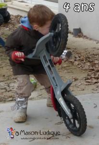 draisienne à 4 ans, cascade